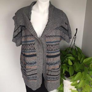 🎉 Gray Sweater 🎉